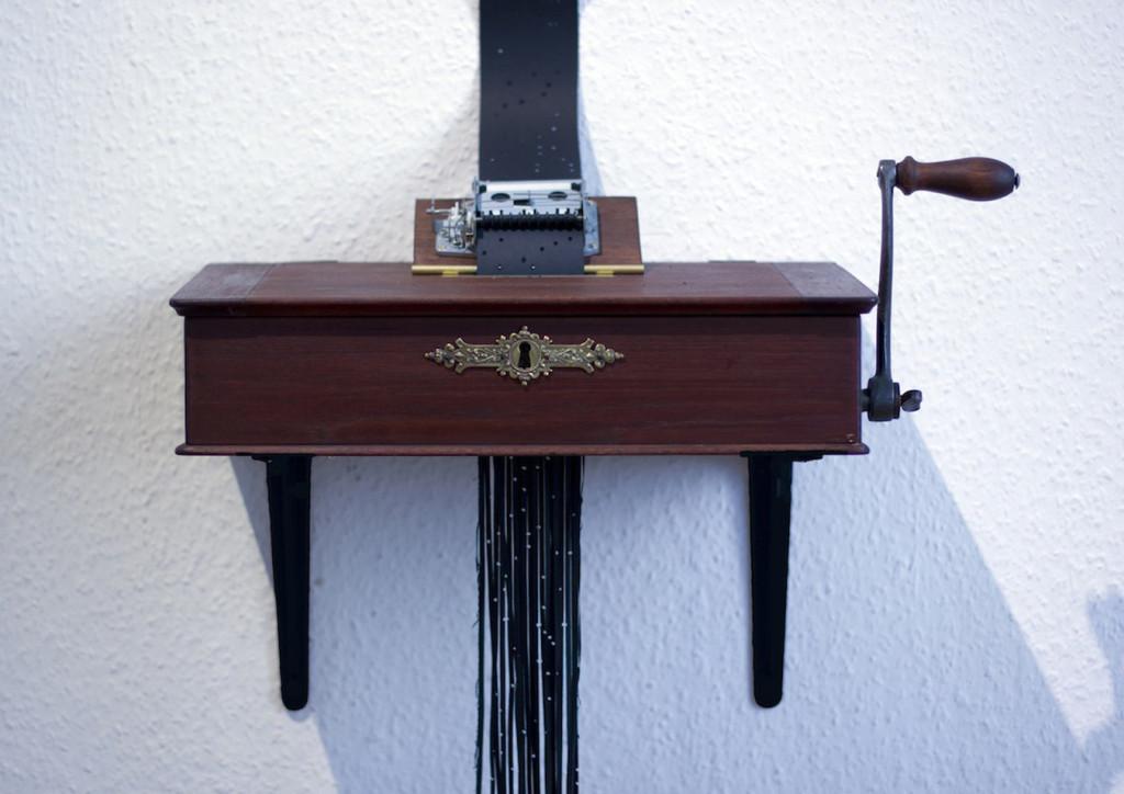 Edgardo Rudnitzky_VanishingMusic_2014_Wood-Brass_Paper-MusicBox_DimensiosnVariable_(CourtesyOfTheArtist)