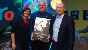 Dave Allen of Whelans picking uo the IMRO Dublin Live Music Venue of the Year 2017 – with Eleanor McEvoy and Victor Finn of IMRO