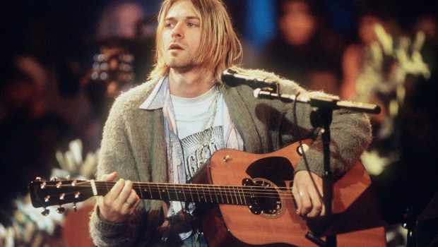 kurt-cobain-nirvana-mtv-unplugged-e3627468-cb34-46be-a8ce-39d305a356d7